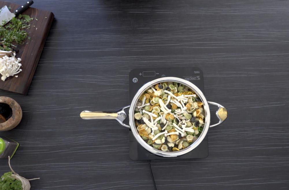 Gombás orecchiette recept - egészséges főzés víz és olaj nélkül!